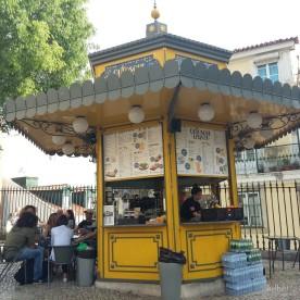 Le quiosque près de la cathédrale Sé